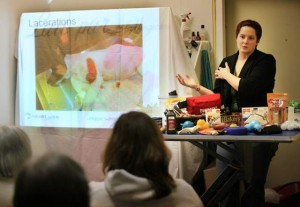 Veterinary technician Alicia Shelton give a class on first aid for pets. / THOMAS PATTERSON / Statesman Journal