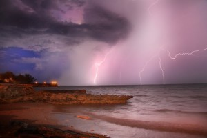 Lightning-at-beach