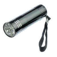 Mini Aluminum Flashlight, Uses 3 AAA Batteries - L77AA